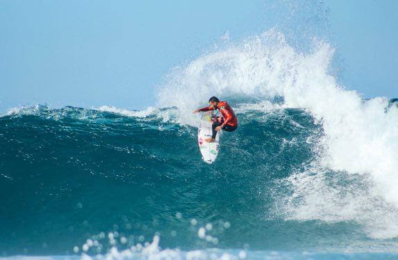 Surfing against plastics